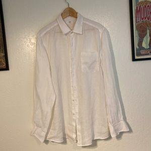 Men's button down Uniqlo shirt